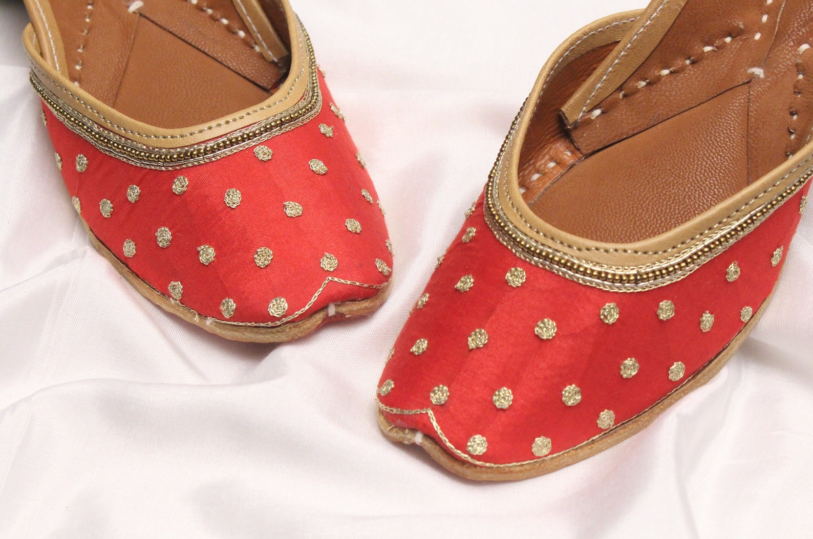 red gold shoes bridal wedding/women maroon red gold jutti shoes/indian wedding flats/ballet flats/khussa shoes/punjabi shoe us s