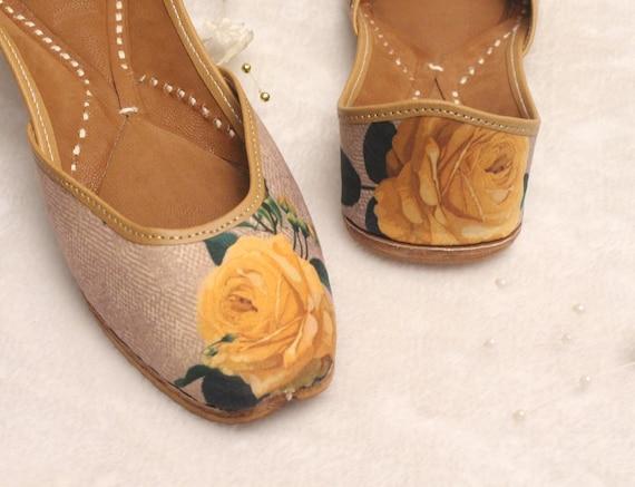 Women Shoes FlatsIndia Punjabi JuttiYellow Flower Flat Sandal ShoesBollywood Indian Leather ShoesBallet FlatsMuslim ShoesKhussa