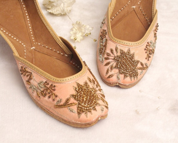 Indian Bridal Wedding Shoes Women Peach Lehnga Gold Jutti Shoes Wedding FlatsBallet FlatsKhussa ShoesPunjabi ShoeUS Size 5,7,8.5