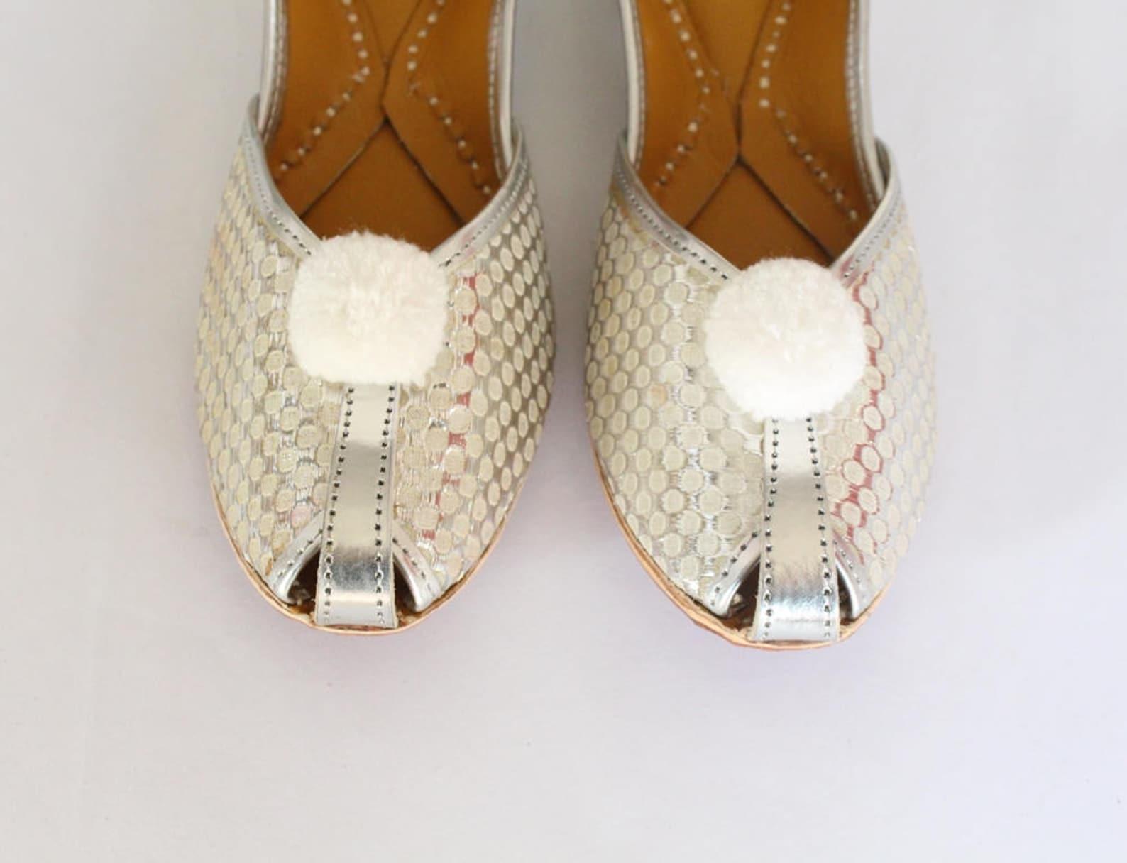 women bridal shoes/indian silver jutti shoes/silver wedding flats/silver laddu ballet flats/jasmine shoes/khussa shoes us size 5
