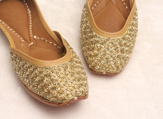 Gold Shoes Wedding BridalWomen Lehnga Gold Jutti ShoesIndian Wedding FlatsGold Ballet FlatsKhussa ShoesPunjabi ShoesUS Women Size 5