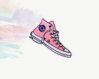 18ba9a07fb19ae Pink converse patch