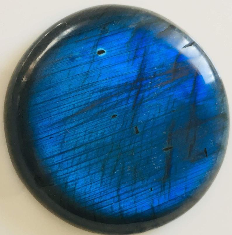 LABRADORITE 63.70Gr Indigo Blue round cabochon flat back