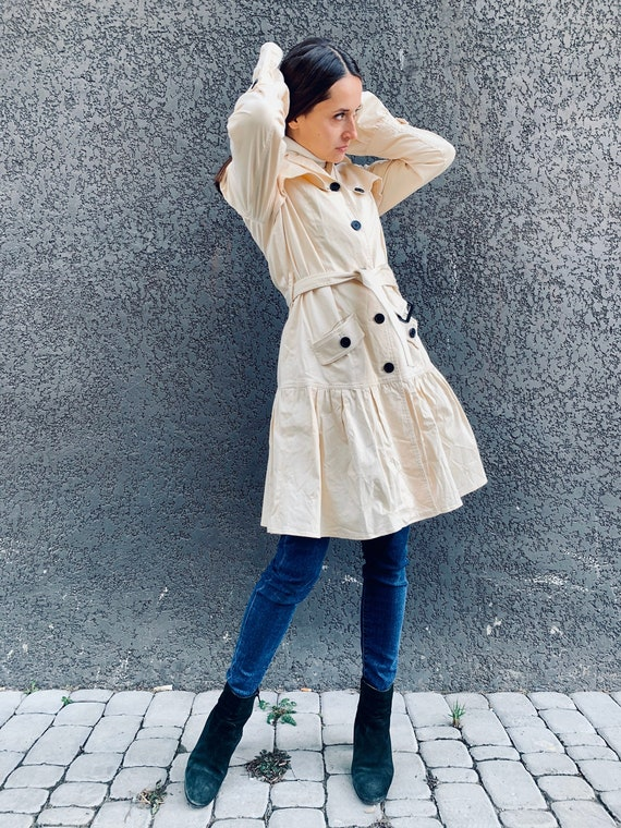 Vintage trench coat Beige trench coat