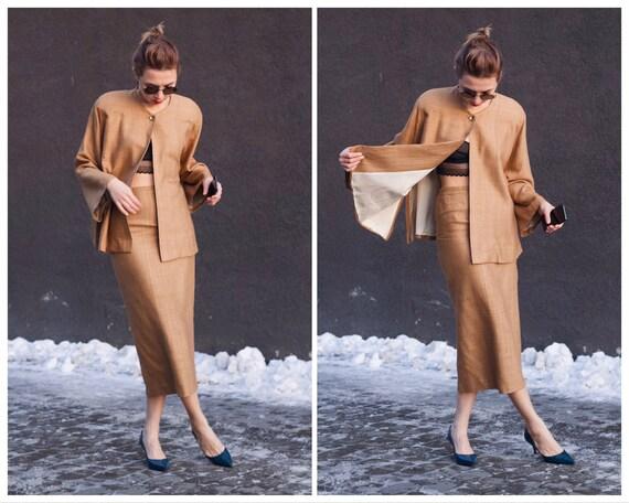Vintage skirt suit Woman's suit Silk Wild silk Ret