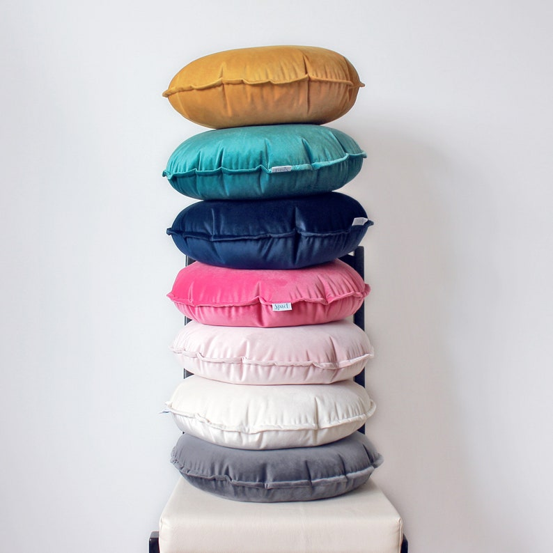 Round velvet cushion  Available in different colors