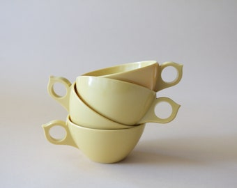 Set of 4 Vintage Light Yellow Resin Mid Century Modern Coffee Cups, Coffee Mugs