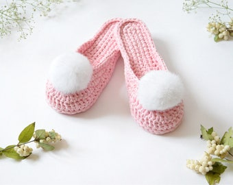 Pink home women shoes with pom poms, Bridal party or wedding gift idea, Crochet indoor shoes, Bedroom cozy slippers, Housewarming gift
