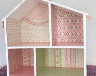 Garden Party Doll House: custom made for Mary Elizabeth.