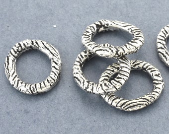 Jewelry Connector links Silver Artisan handmade oval rings, zebra lining silver plated, large closed jump rings 13x15mm 5 pieces