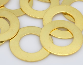 10 Gold flat circles stamping blanks for jewelry making, Gold plated washers, jewelry connectors 18mm / 10mm hole