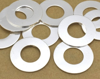 10 Silver flat circles stamping blanks for jewelry making, Silver plated washers, jewelry connectors 16mm / 8mm hole