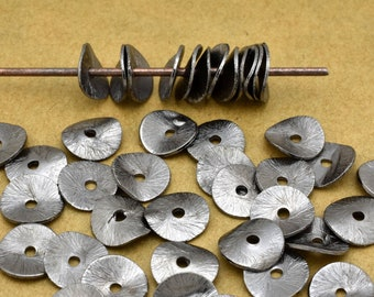 6mm - 70pcs Wavy Disc spacers Gunmetal Black beads, potato chips spacers for jewelry making