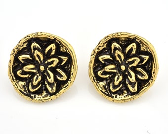 18mm Gold Button Closures for wrap bracelets, Antique Gold plated Artisan findings, Flower design, shank back metal buttons 2pcs