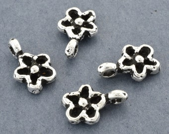 Silver Flower Charms, Daisy Pendant Charm, Silver Plated flower dangle charms, 5 pieces, artisan handmade charm with loop 5pcs - 10x14mm