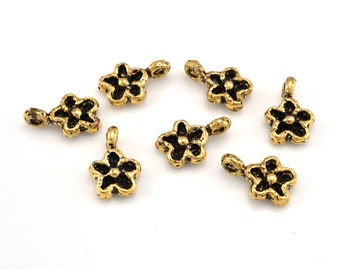 Gold Flower Charms, Daisy Pendant Charm, vermeil flower dangle charms, 5 pieces, artisan handmade charm with loop 5pcs - 10x14mm