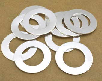 10 Silver flat circles stamping blanks for jewelry making, Silver plated washers, jewelry connectors 20mm / 12mm hole