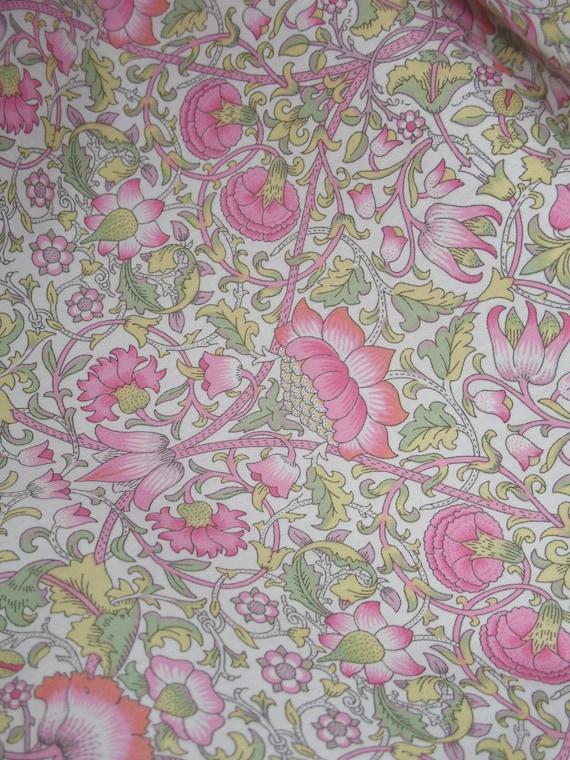 Liberty Of London Cotton 100/% Tana Lawn /'Denise Eva/' Pink per metre
