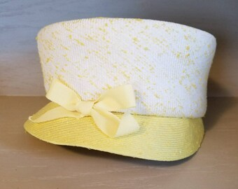 f5d06bee9bb5 Adorable 1950's 1960's Vintage Yellow Pillbox Hat with Brim & Bow