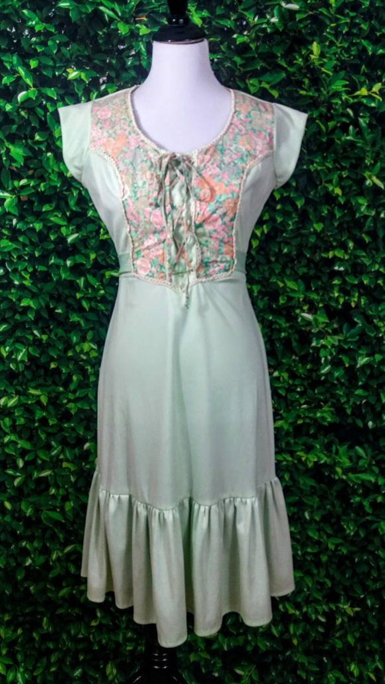 ad8368792b 1970s Gunne Sax style mint green and calico print cap sleeve