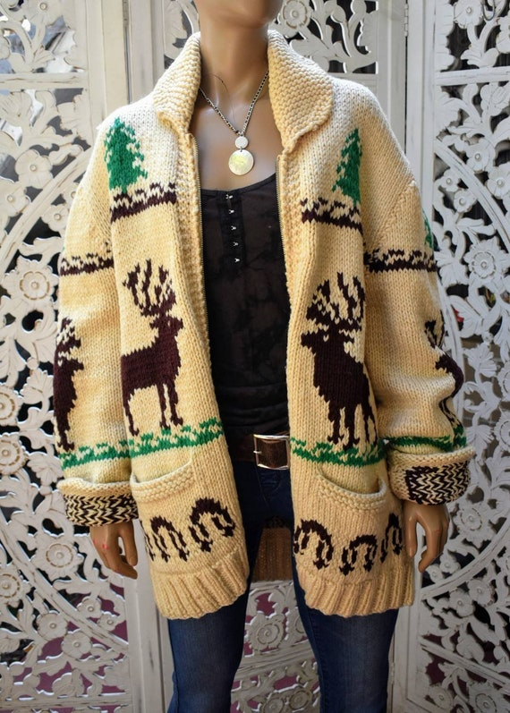 Vintage 70s hand knit wool cardigan with deer moti
