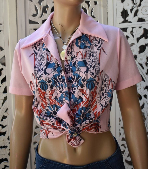 PSYCHEDELIC 70s button up blouse. Size S to M