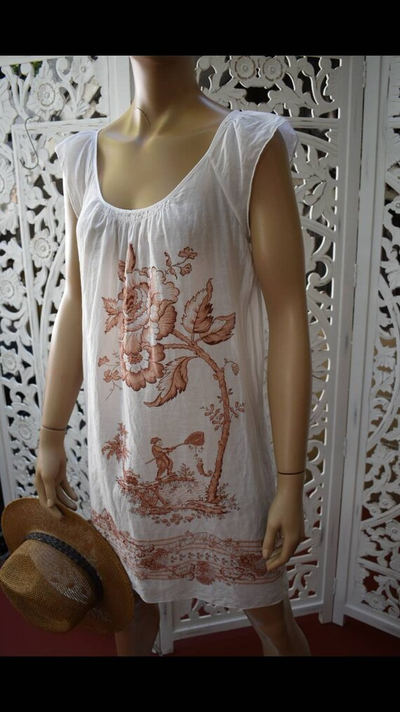 Vintage sheer cotton toile print nightgown/ dress.