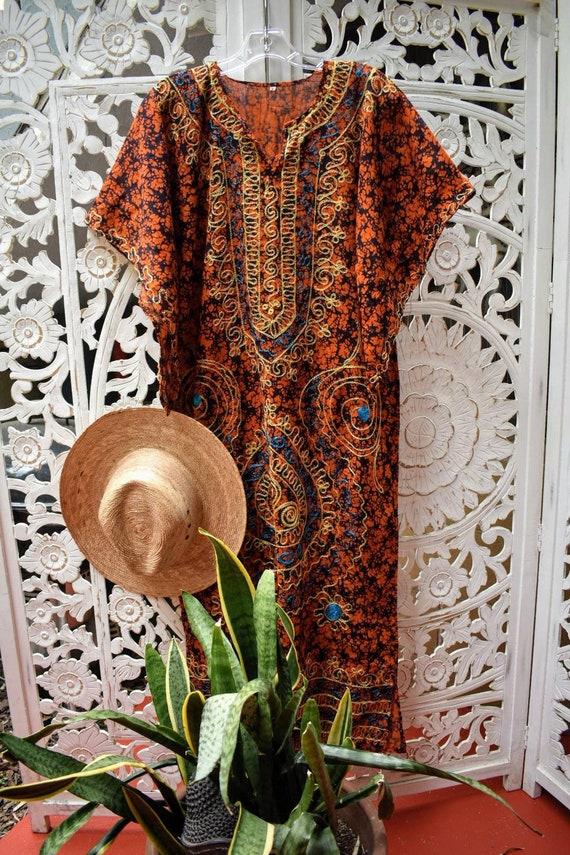Vintage embroidered angel sleeve kaftan Size M