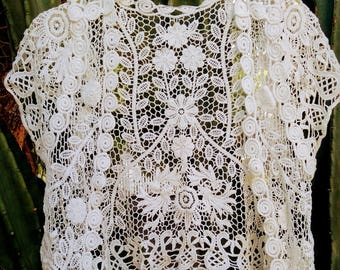 Vintage 60's style lace capped sleeve shrug, very Almost Famous