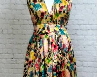 ViNtAgE 90s does 50s silk halter dress size 4
