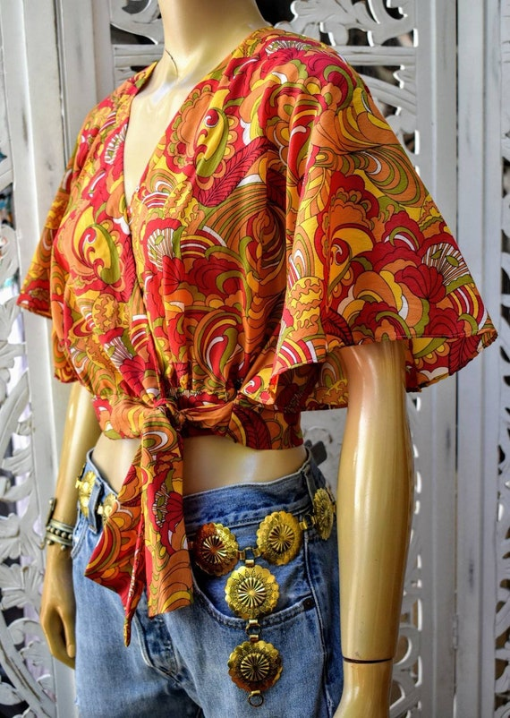 TRIPPY 70s psychedelic print flutter sleeve wrap c