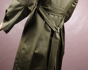 3d74bf1c90c7c Max Mara Olive Vintage Breasted Coat Single Breasted Fully lined Side  Pockets Long Sleeves Wrist  epaulets  Comes With Matching Tie Belt