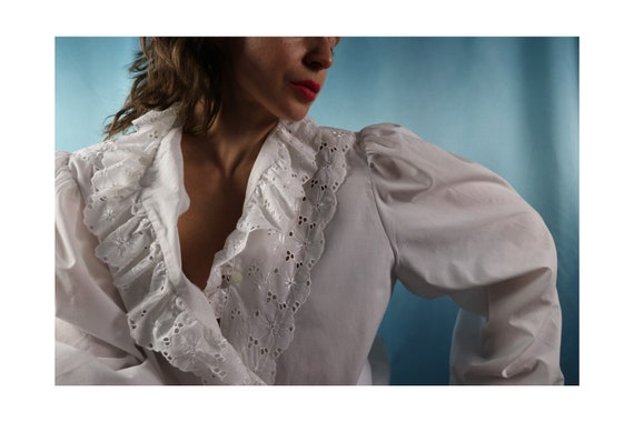 White peasant blouse Cotton 80s Vintage
