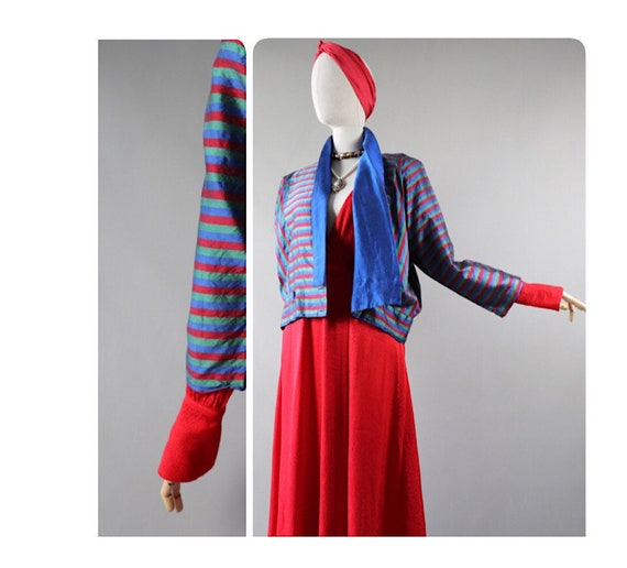 Asian vintage jacket SILK cropped padded Blue red