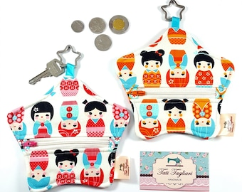 Star-shaped Pouch with Key Ring and Zipper for Coins or Cards - Small Purse for Earphone or Earbuds with Kokeshi print