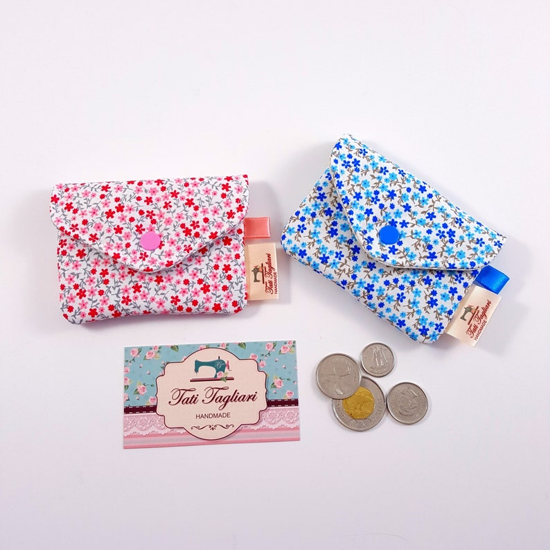 Business card holder made of fabric with coordinating lining image 0