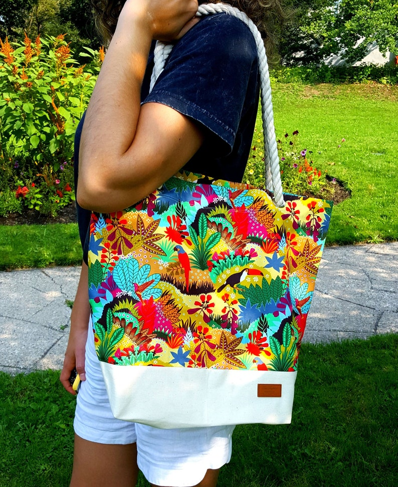 Tropical print Tote Bag with Cotton Rope Straps and Zippered image 0