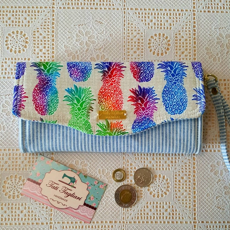 Multi-Pocket Clutch Wallet with Wristlet made of Denim and image 0
