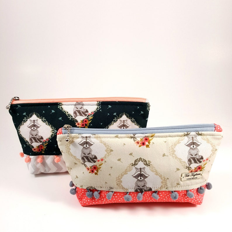 Trapezium Toiletry Bag for Cosmetic or Makeup made of Fabric  image 0