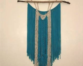 Yarn Wall Hanging // Handmade Fiber Art
