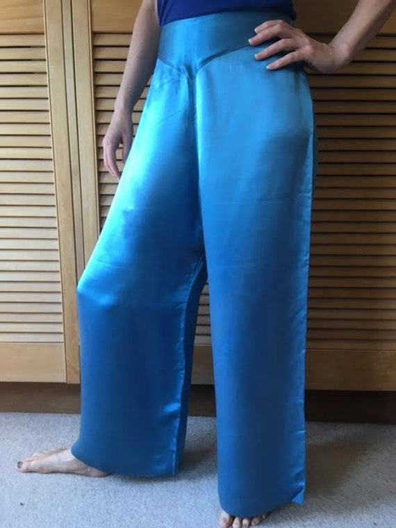 AUTUMN SALE Authentic vintage 1930s electric blue