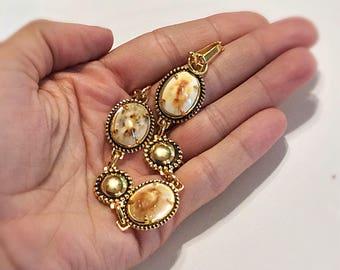 Vintage Goldtone Seashell Bracelet