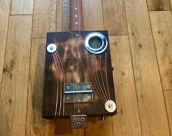Cigar Box Guitar (Fretless)