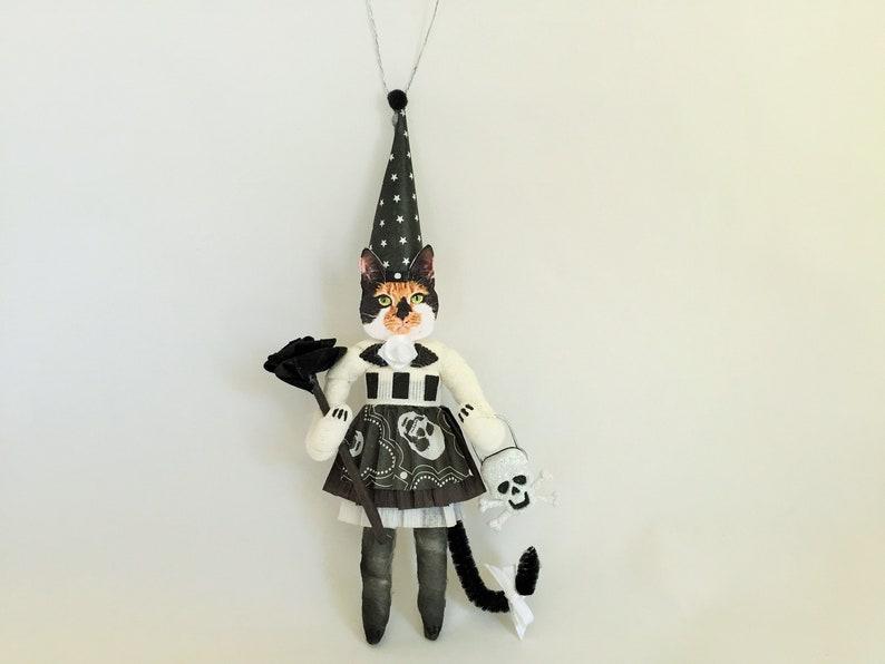 Calico Cat HALLOWEEN wSKULLS spun cotton girl vintage style CAT 6 ornament