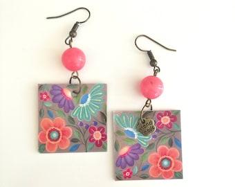Pendant paper earrings