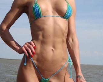 Hot women in tiny bikinis