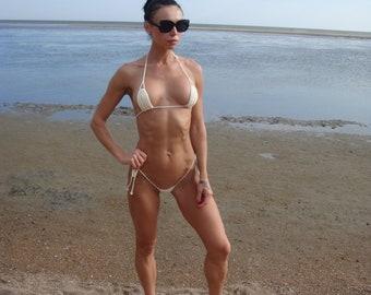 Sexy girls in small bikinis