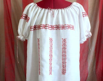 Vintage 60s 70s boho bohemian hippie Romanian embroidered peasant blouse