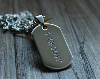 Custom dog tag necklace // boyfriend necklace with date // date necklace / Bar necklace / Custom necklace // custom man necklace // man gift