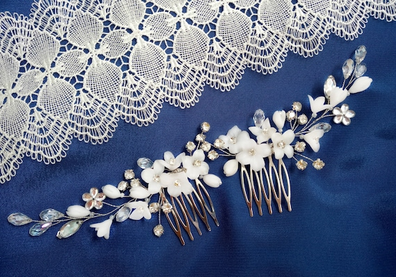 Bridal hairpiece Floral hair comb White flower wedding hair comb